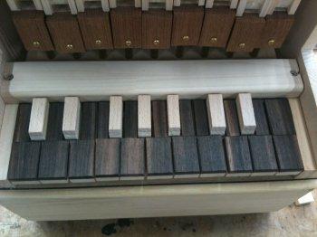 オルガン制作:鍵盤ちょっと整形