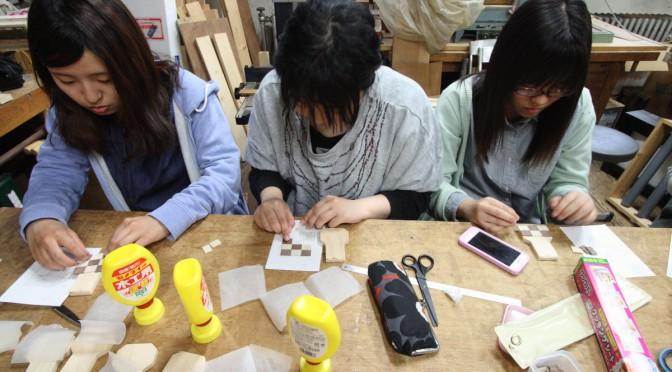 パイプオルガンワールド: わいわいと鍵盤の表面装飾・調律管の制作